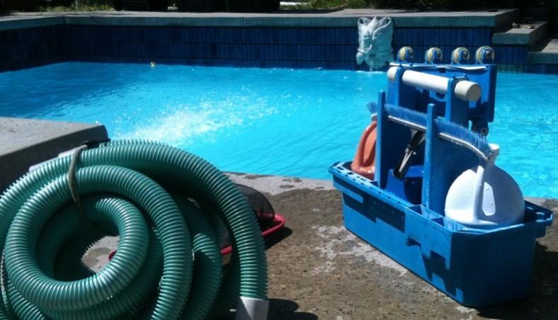 Limpieza piscinas valencia empresa de limpieza y vaciado for Vaciado de piscina